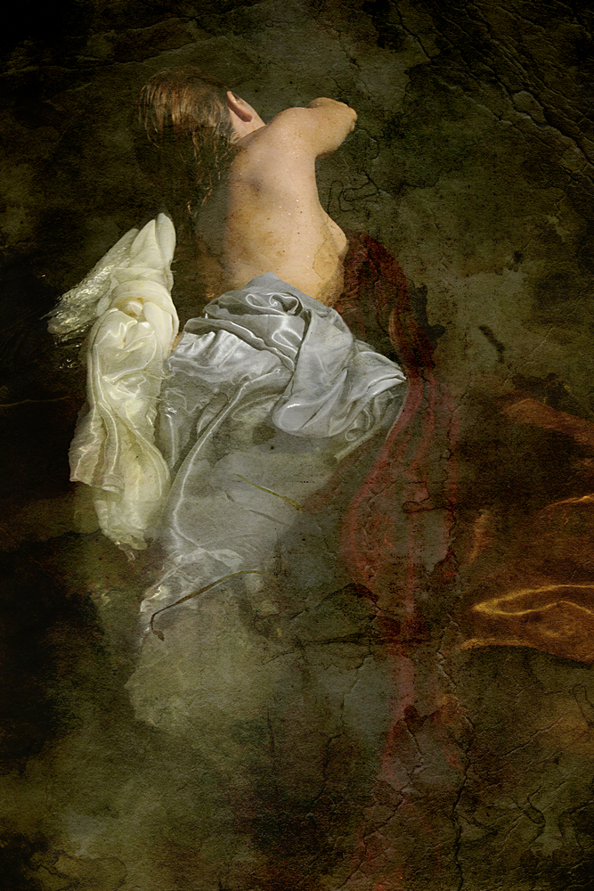 Photographie Thalie B Vernet - portrait Femme dans l'eau torse nu