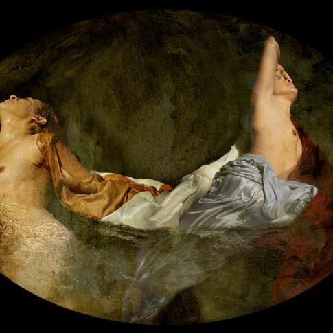 Photographie deux femmes torses nus